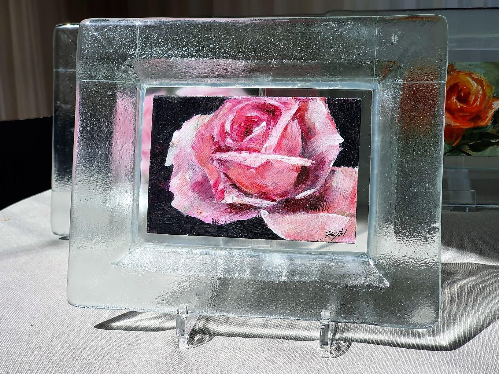 Roos-in-glazen-lijstje-2